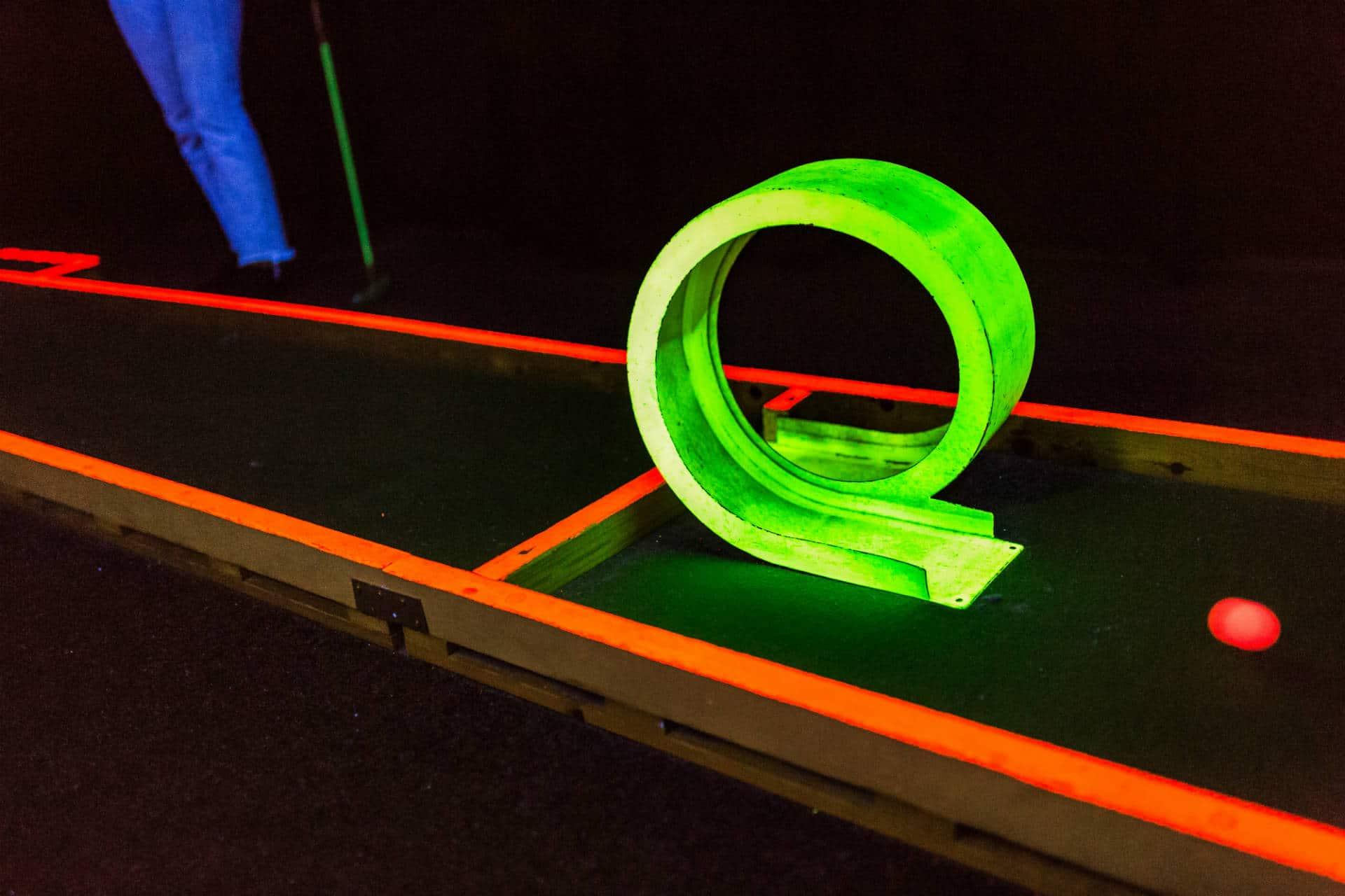 minigolf loop på laserdome göteborg