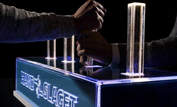 handslaget på femkamp på laserdome